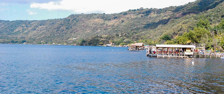 La Octava Maravilla | Restaurante y Bar en el Lago de Coatepeque 01