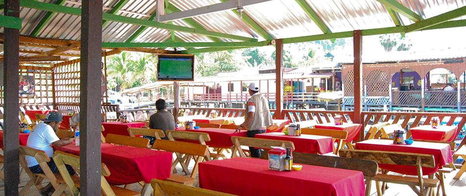 La Octava Maravilla | Restaurante y Bar en el Lago de Coatepeque 05