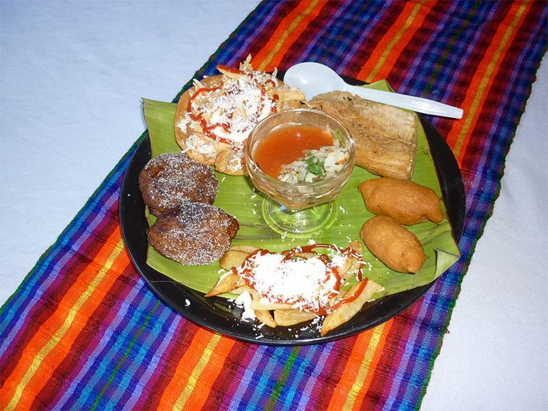 Comida Típica Salvadoreña | Chilatería Doña Sara 09