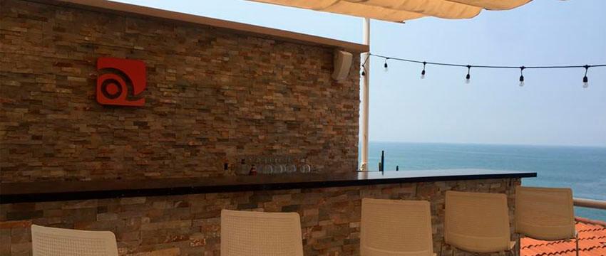 Los Farallones, Hotel de Playa en La Libertad