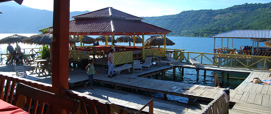 Rancho Alegre | Restaurante & Bar en el Lago de Coatepeque 13