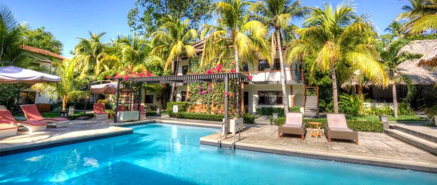 Boca Olas Resort Villas, Hotel de Playa en El Tunco