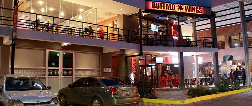 Plaza Kristal - Centro Comercial en Santa Ana 03